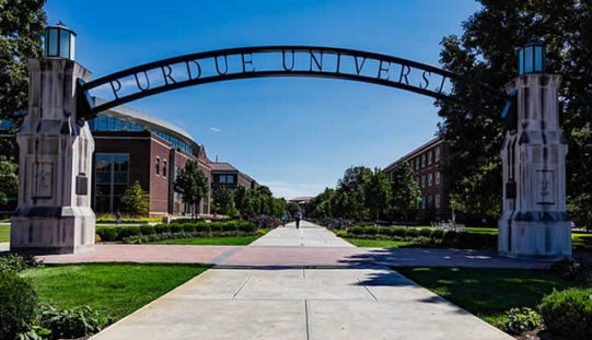 4 Factors to Consider When Selecting a College to Attend