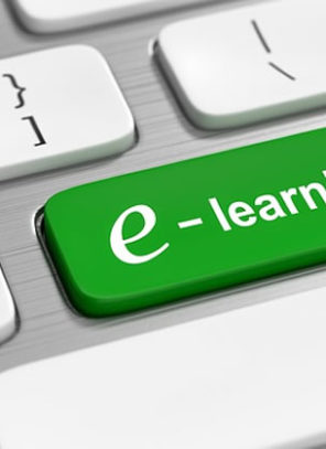 What are the Advantages of E-learning vs Traditional Schooling?