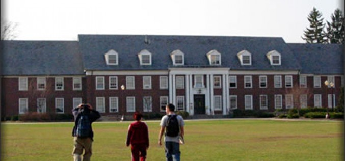 Financial Woes May Shut Down Some Colleges Report Says