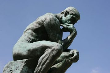 How to Be A Better Critical Thinker in College