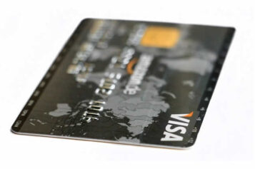8 Brilliant Tips on How to Choose the Best Student Credit Cards