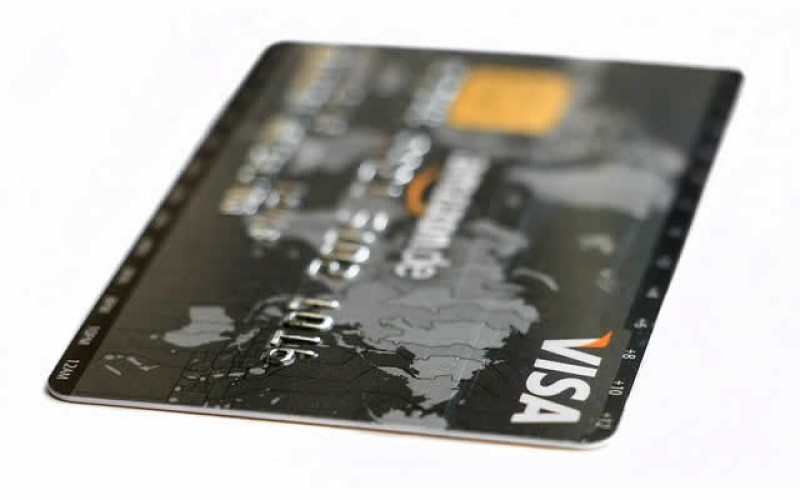 Getting Credit Cards in College – a Guide for Young College Students