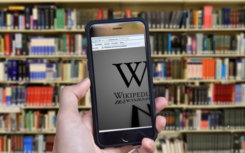 Why Every College Student Needs the Wikipedia Offline App