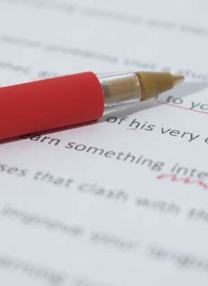 4 Tips To Help You Write The Most Amazing Post-Graduate College Application Essay!