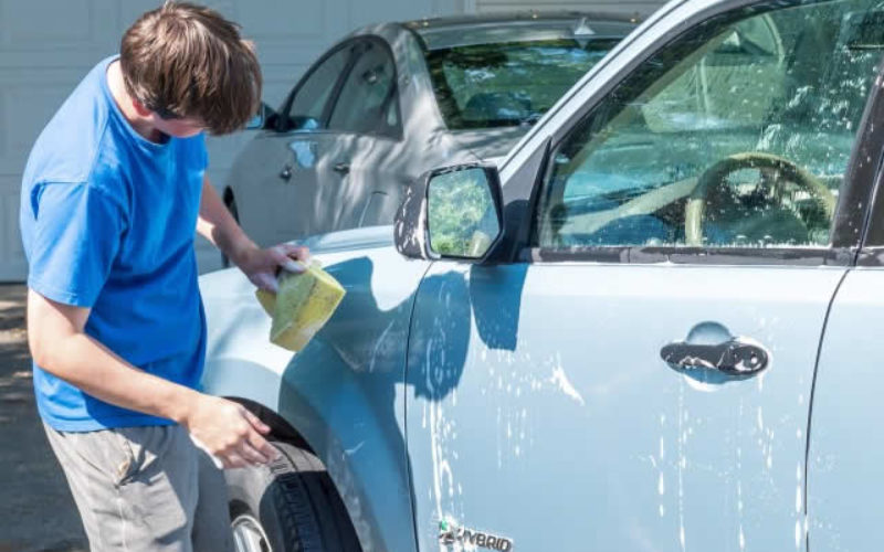 Four Helpful Car Care Tips for College Students